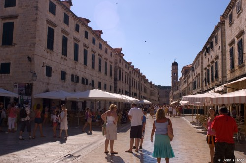 Tourists in Stari Grad